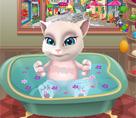 Bebek Angela Banyosu