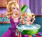 Prenses Barbie Bebeğini Yıkıyor
